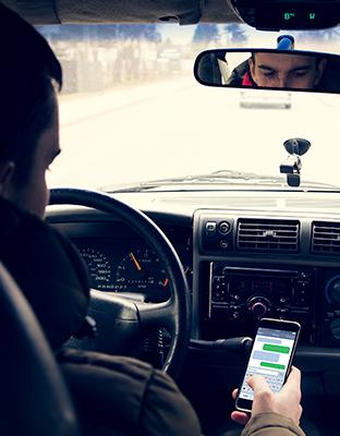Uso de la tecnología al volante: ¿Te consideras un conductor responsable? #rodamosjuntos
