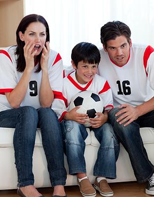 Aprovecha el fútbol para hablar con tus hijos sobre las redes sociales