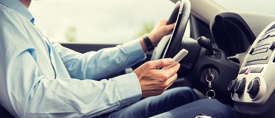 Atención dividida: ¿Celular y conducción combinan?